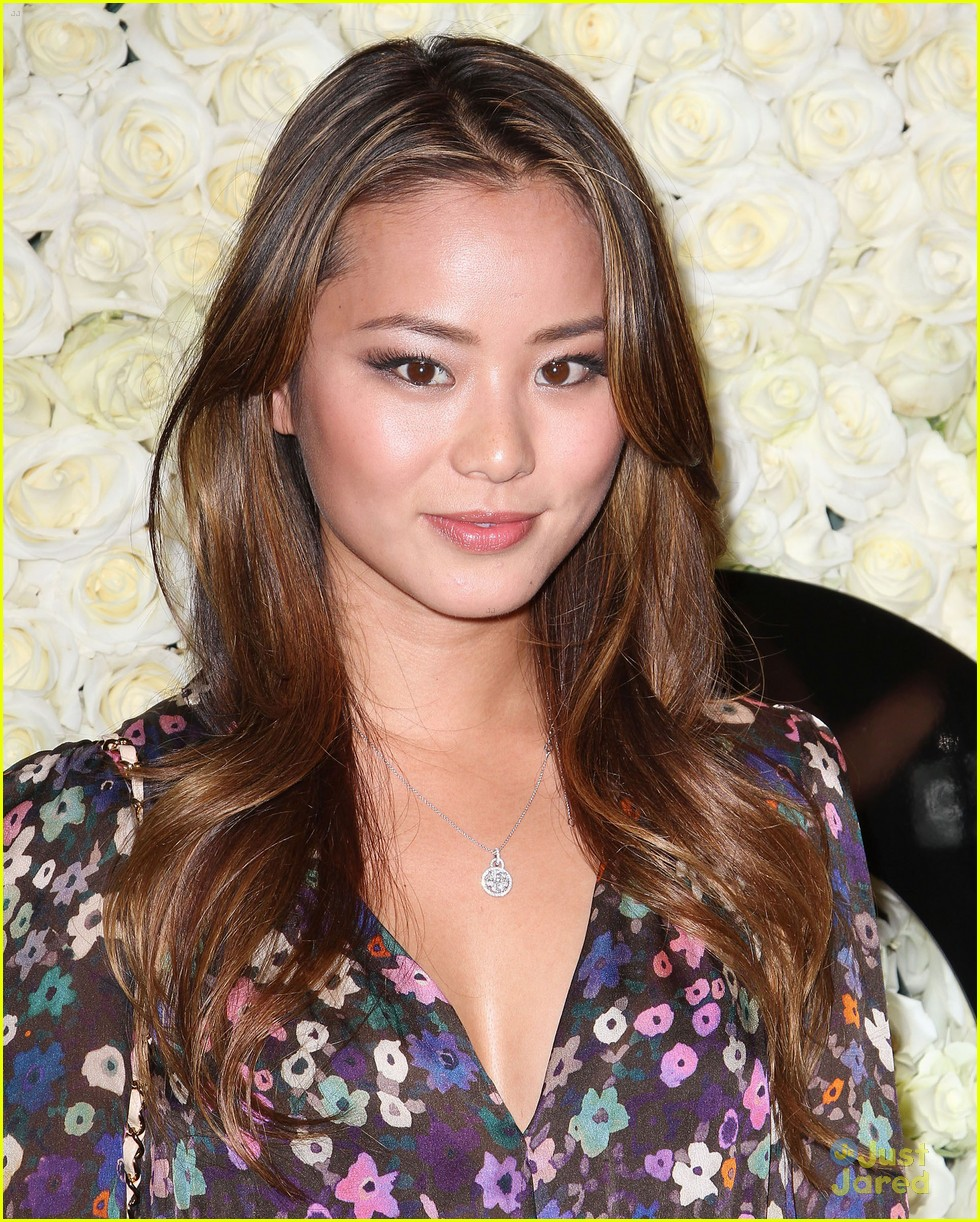 ashley madekwe jamie chung qvc 03