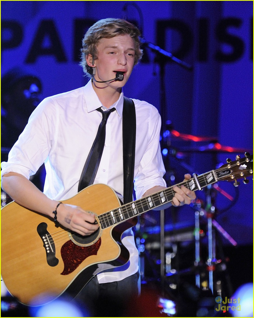 cody simpson toronto stop 21