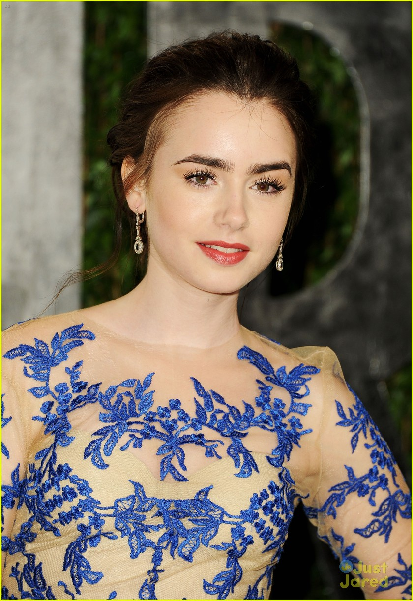 lily collins vf oscar chanel 08