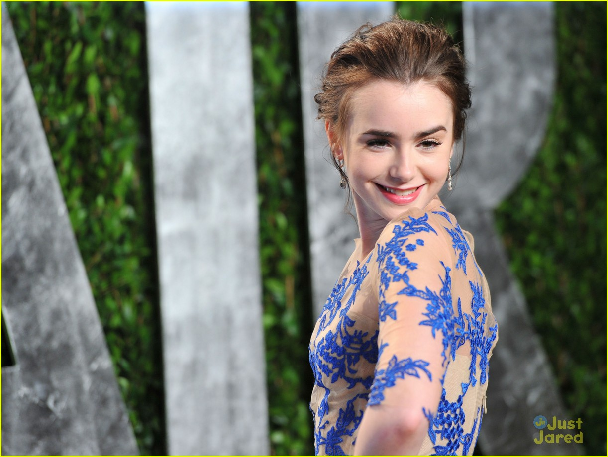 lily collins vf oscar chanel 14
