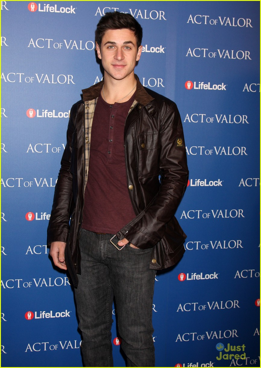 david henrie act valor 04