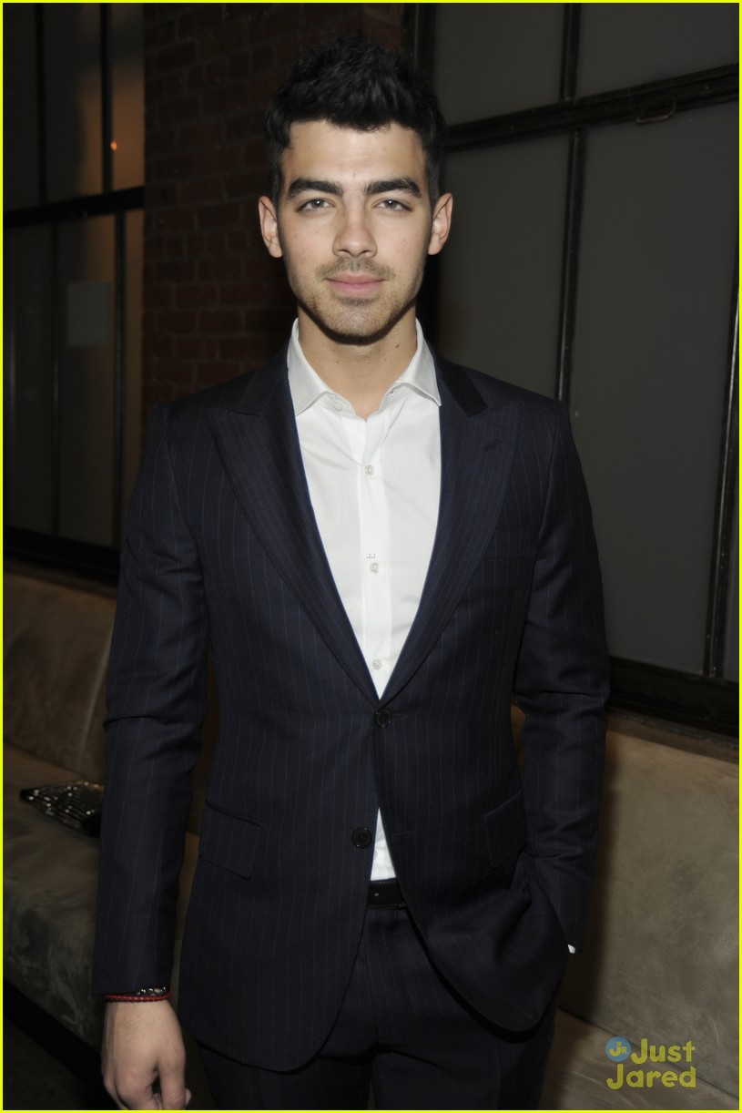 joe jonas simon spurr 11