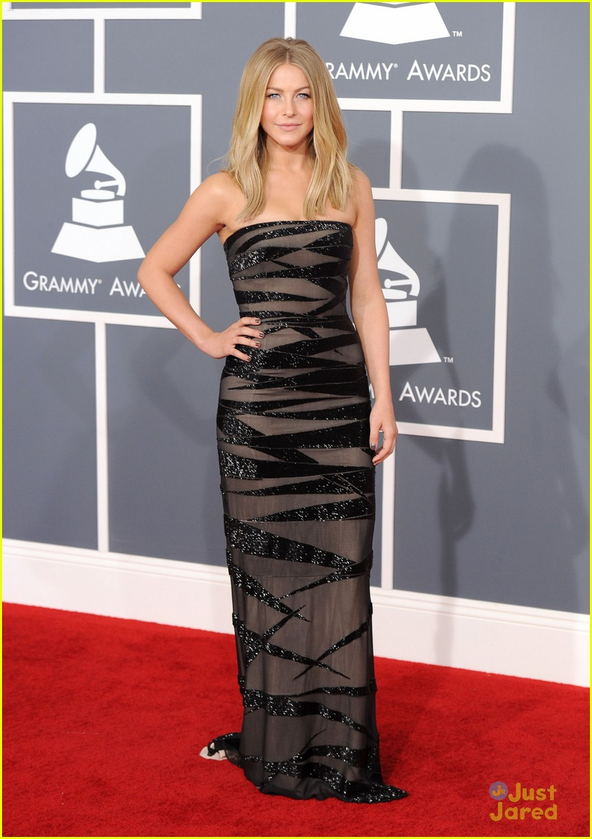 julianne hough 2012 grammys 08