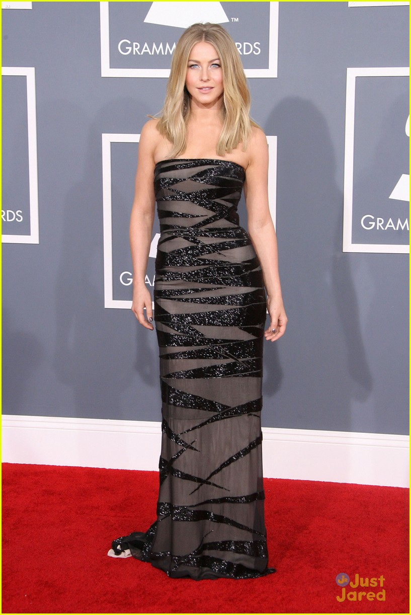 julianne hough 2012 grammys 15
