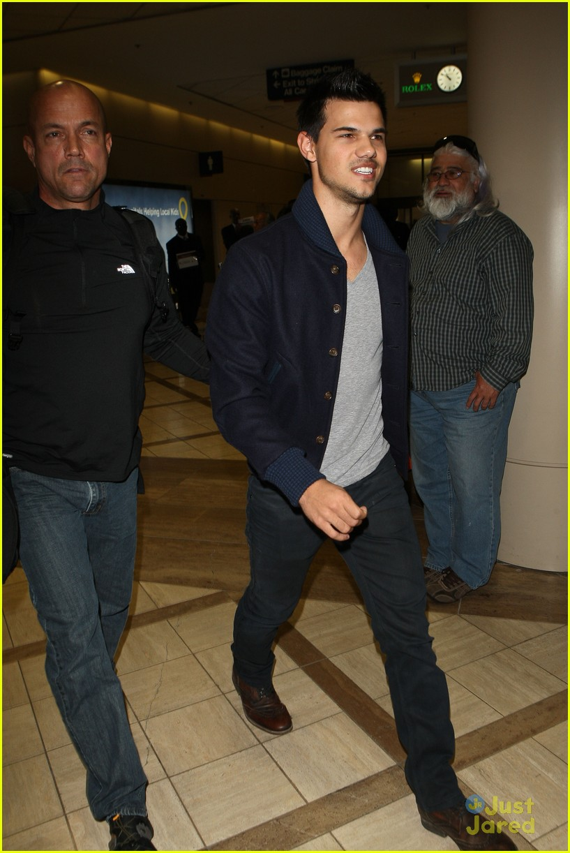 taylor lautner not stetch 03