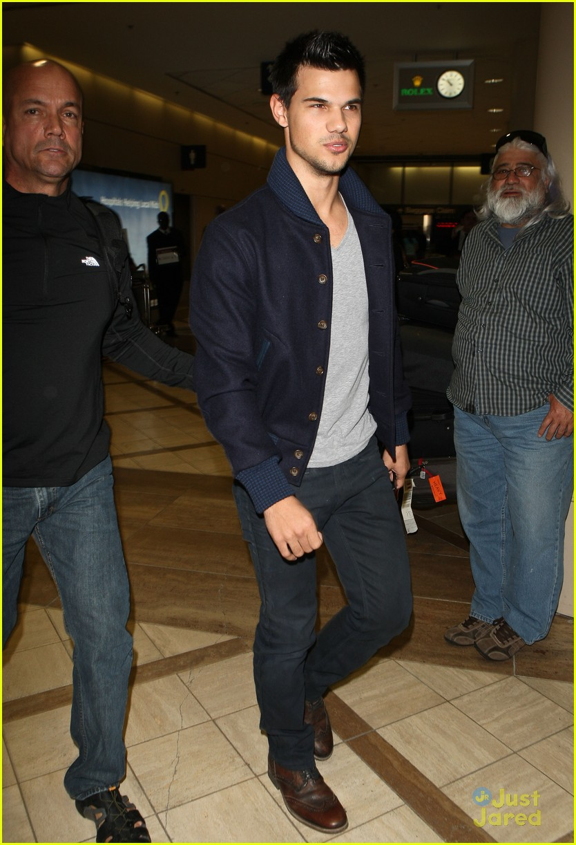 taylor lautner not stetch 09
