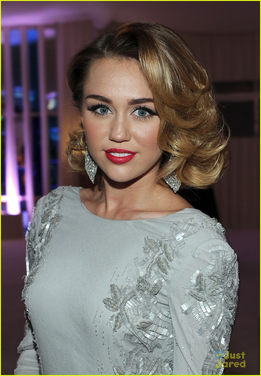 miley cyrus elton john oscar party 02