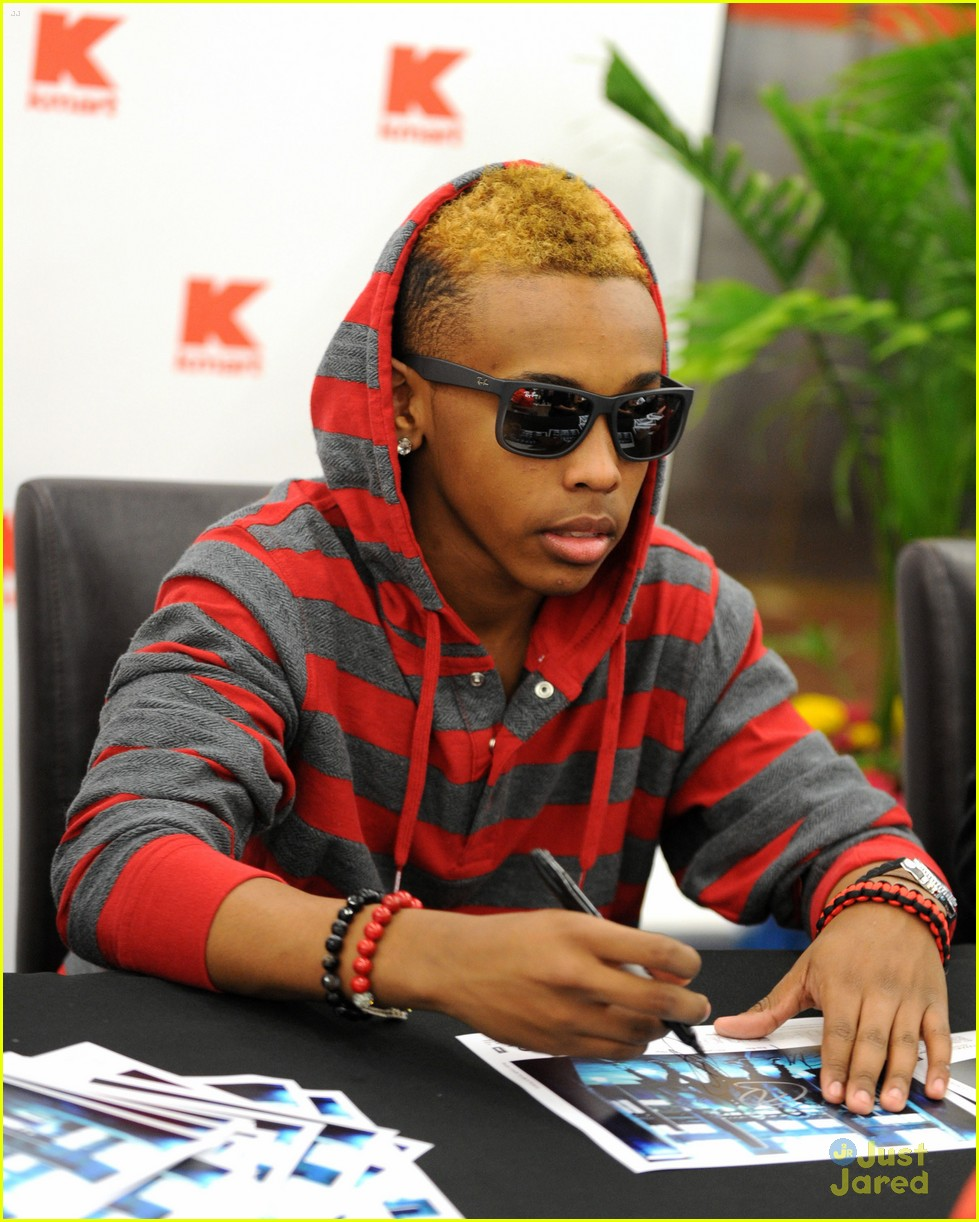 mindless behavior kmart signing 05