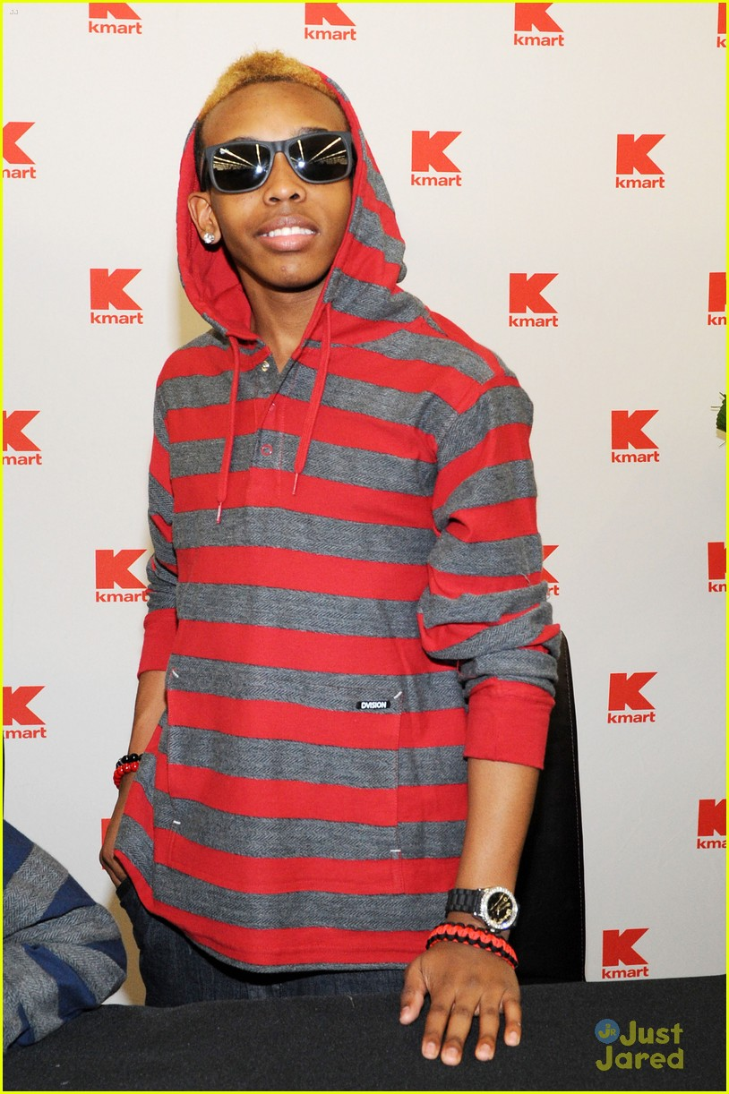 mindless behavior kmart signing 18
