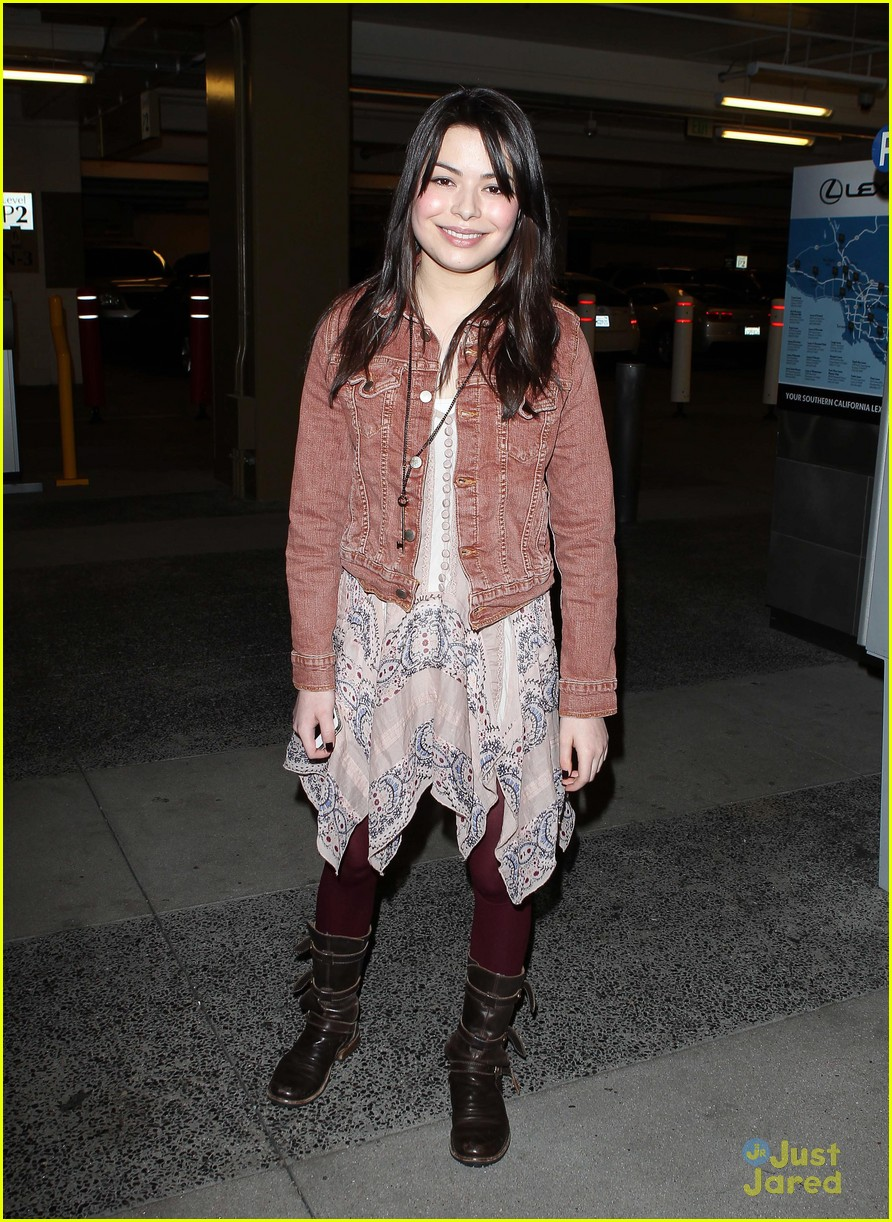 miranda cosgrove coldplay concert 02