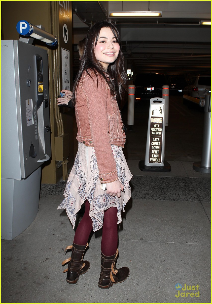 miranda cosgrove coldplay concert 10