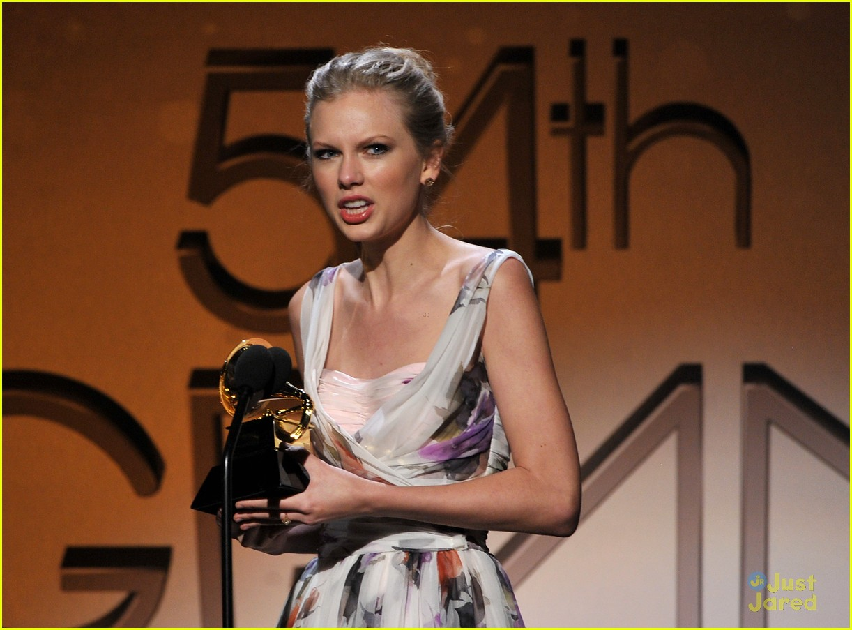 taylor swift 2012 grammys 13