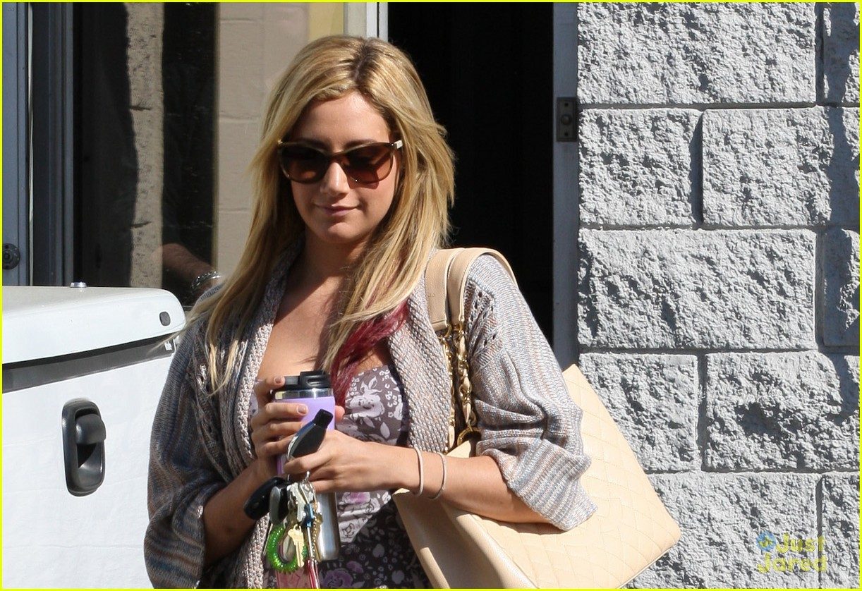 ashley tisdale studio stop 05