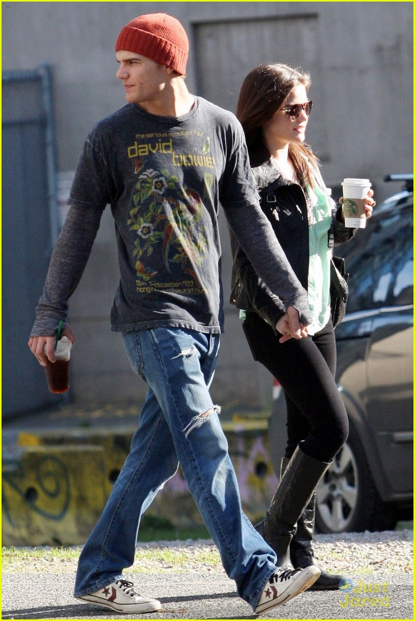 lucy hale holding hands with chris zylka 03