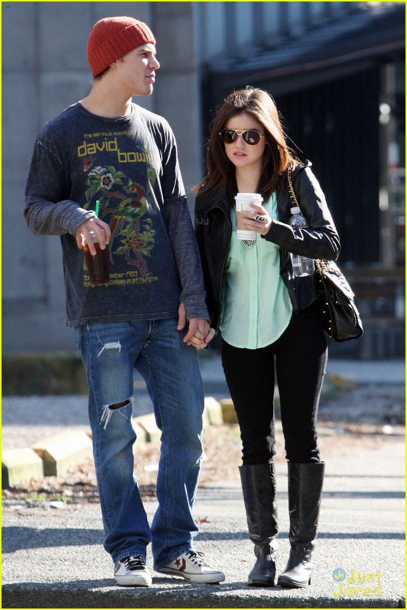 lucy hale holding hands with chris zylka 05