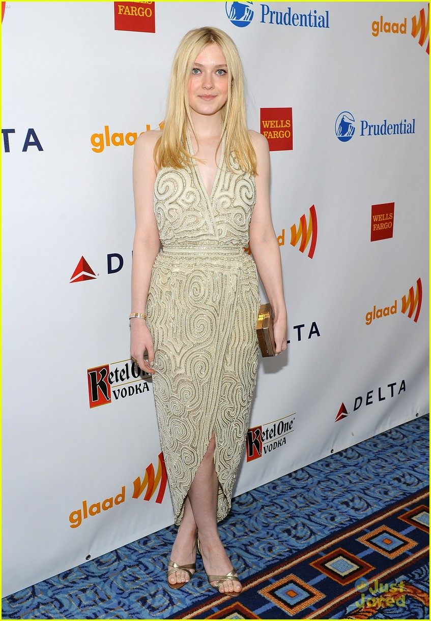 dakota fanning glaad awards 01