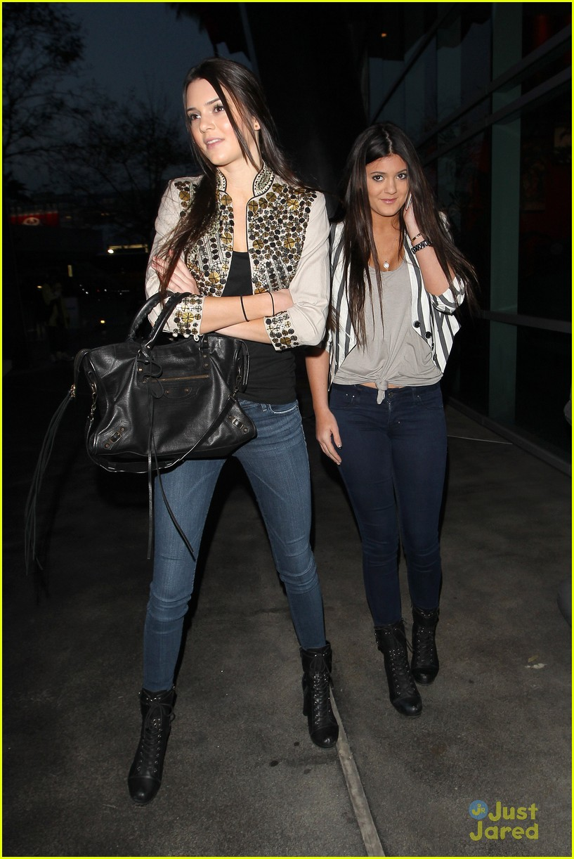 kendall kylie jenner lakers game 03