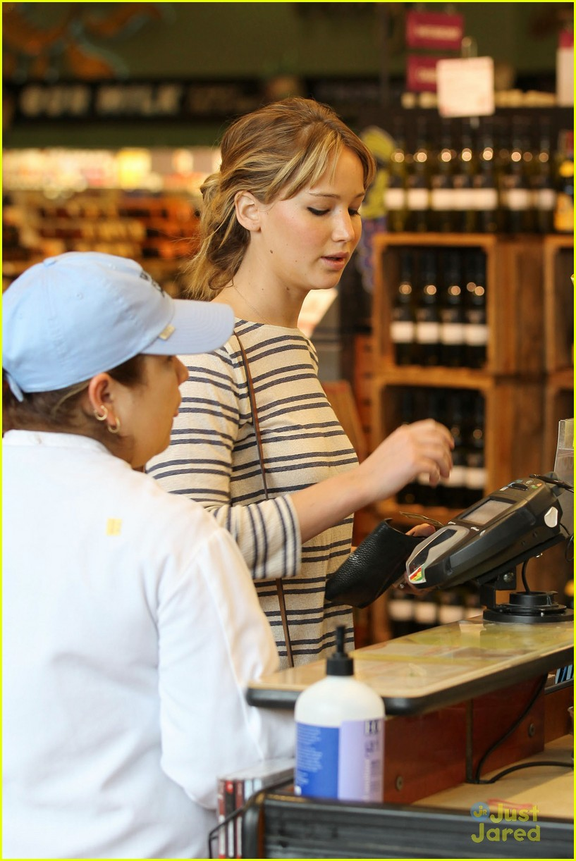 jennifer lawrence whole foods 14