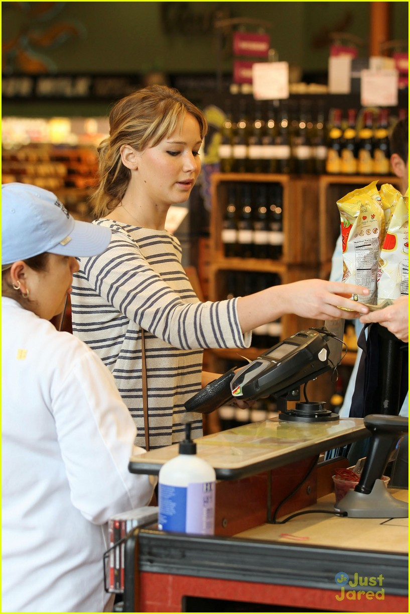 jennifer lawrence whole foods 15