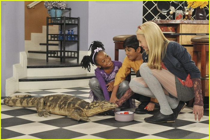 peyton list karan brar jessie hoarder 06