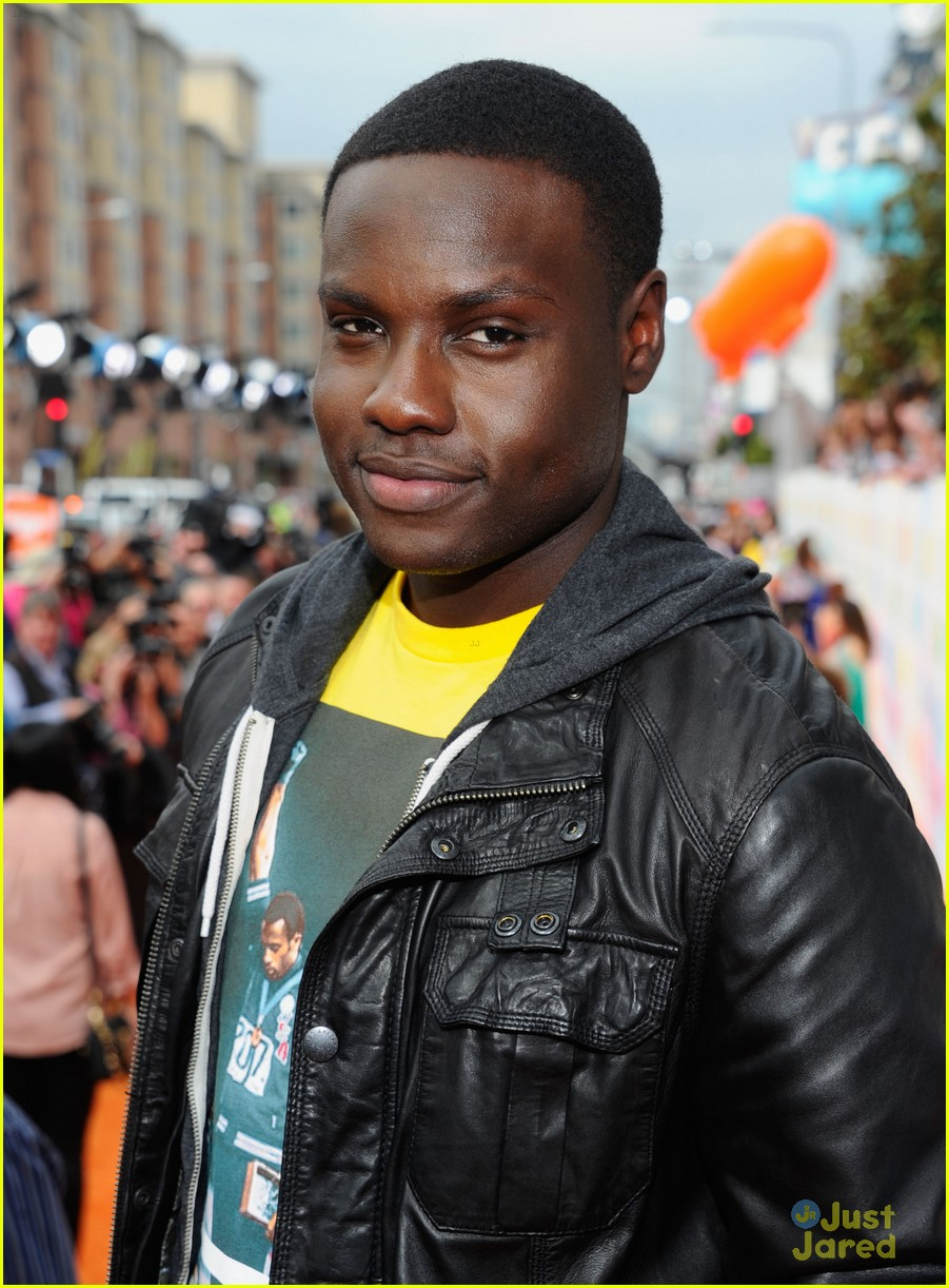 josh hutcherson dayo okeniyi kcas 02