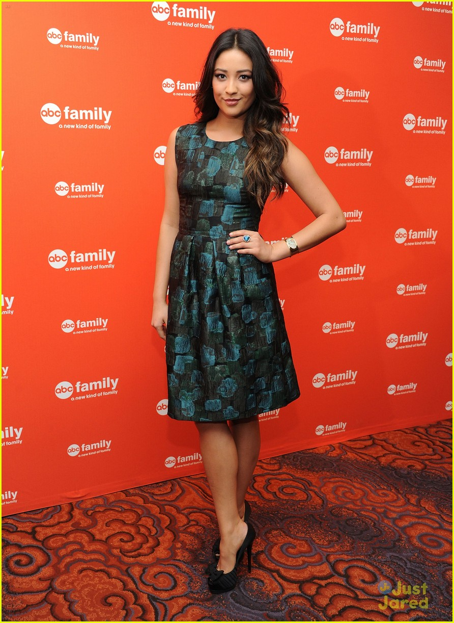 troian lucy shay gma upfronts 14