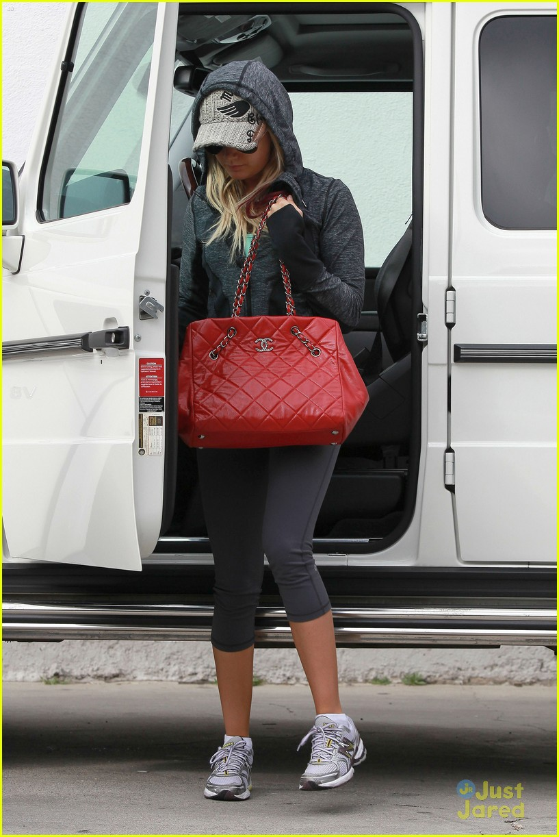 ashley tisdale allsaints shopper 12