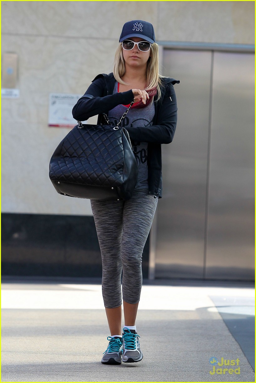 ashley tisdale cbs pilot prod 02