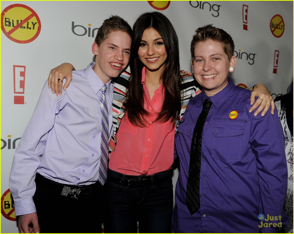 victoria liz avan matt bully premiere 03
