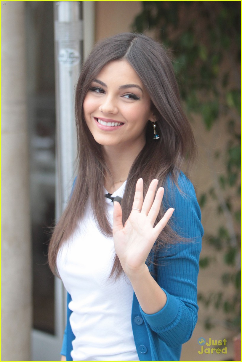 victoria justice extra grove 04