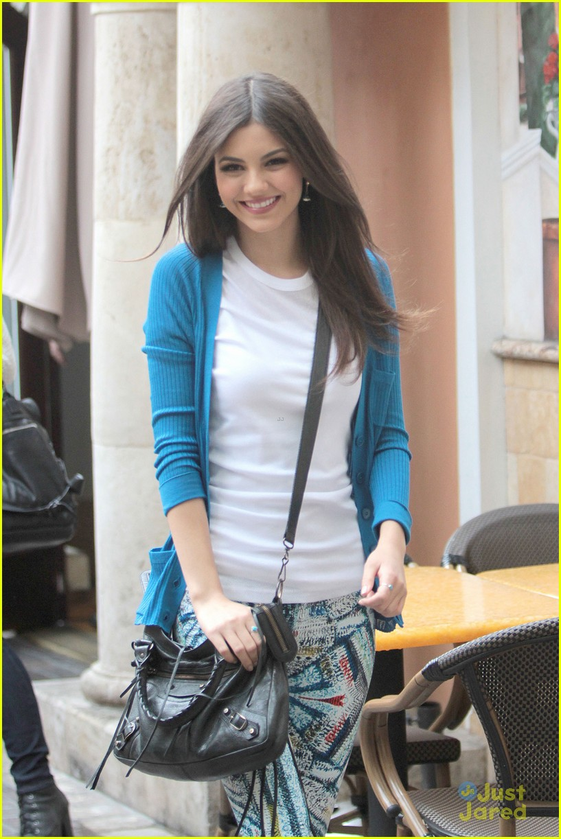 victoria justice extra grove 11