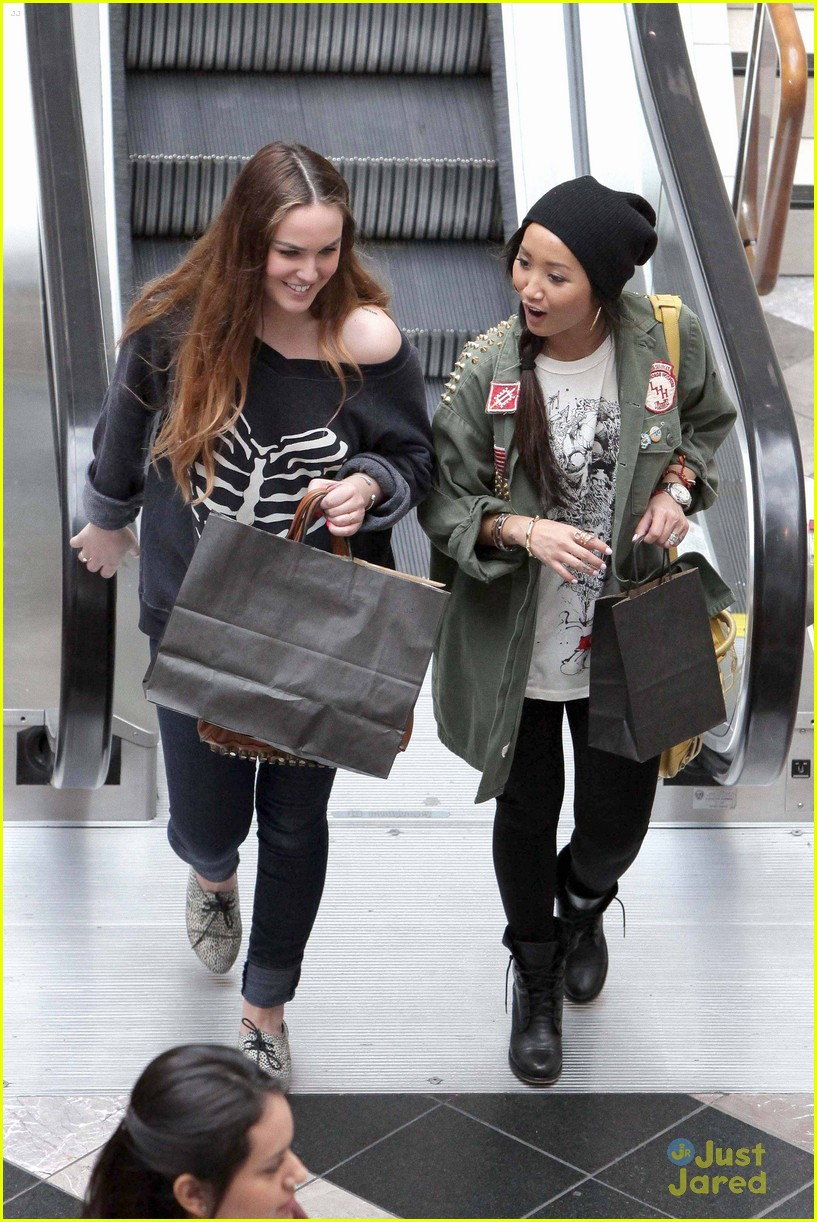 brenda song shopping mall 12