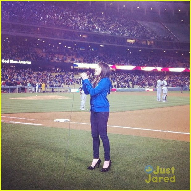 carly rae jepsen dodgers citywalk 03