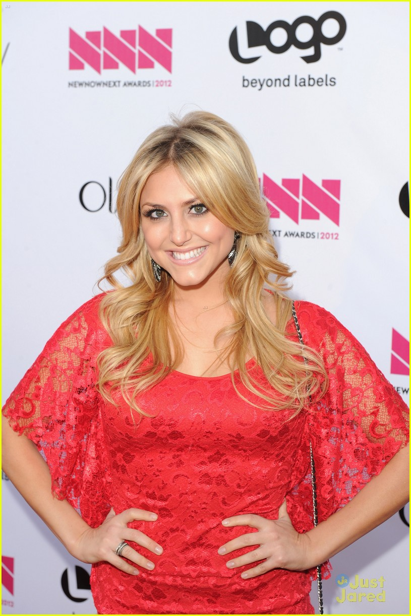 cassie scerbo renee olstead newnownext 06