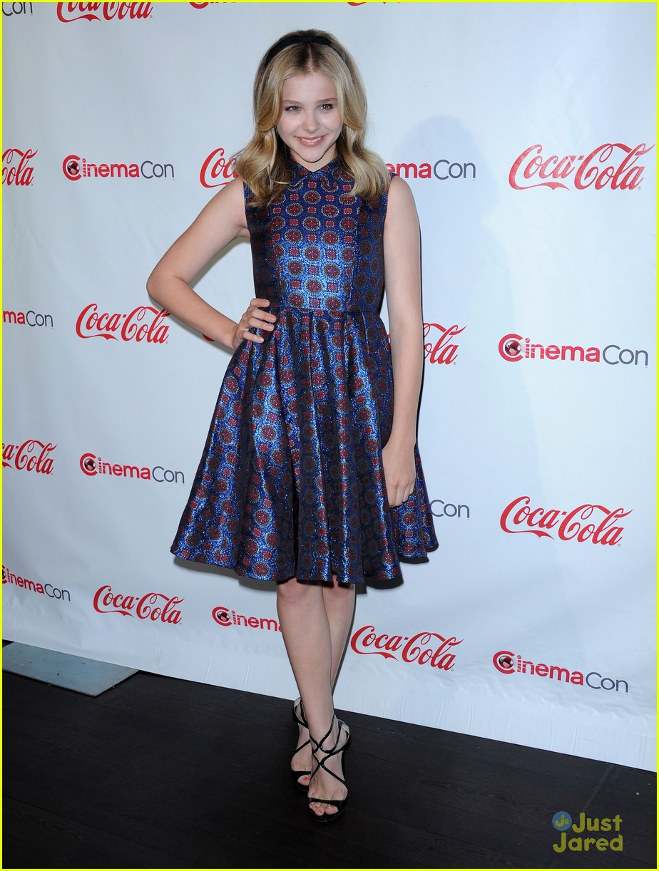 chloe moretz cinemacon star tomorrow 18