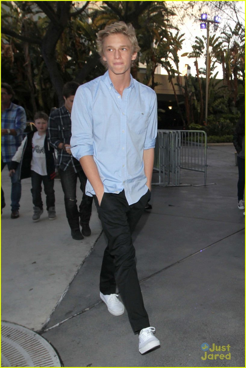 cody simpson lakers game 04
