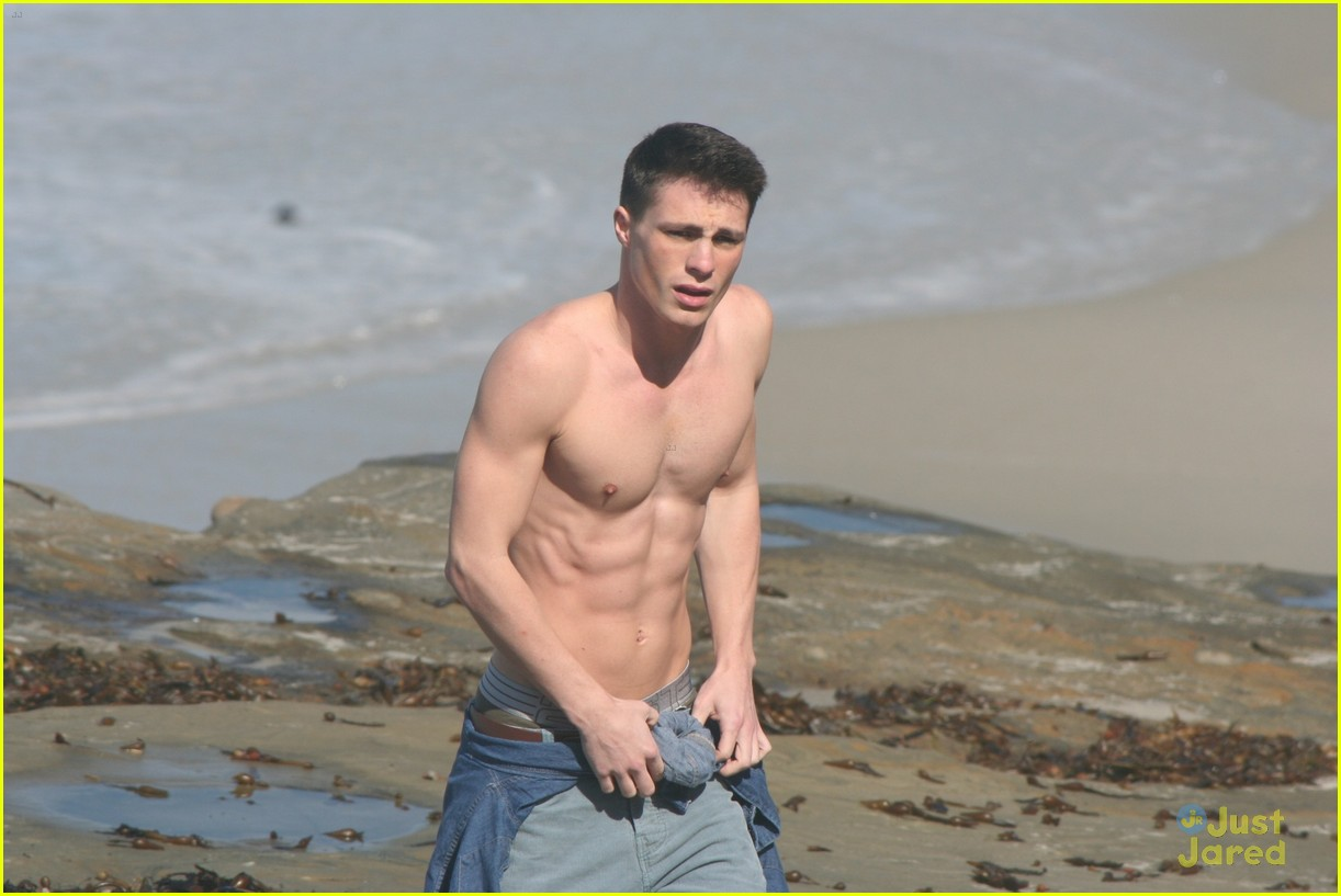 colton haynes beach day 02