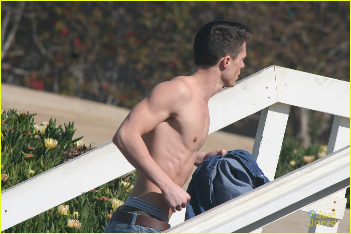 colton haynes beach day 09