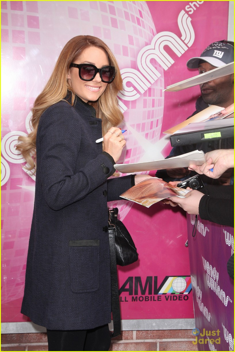 lauren conrad fame game signing 06