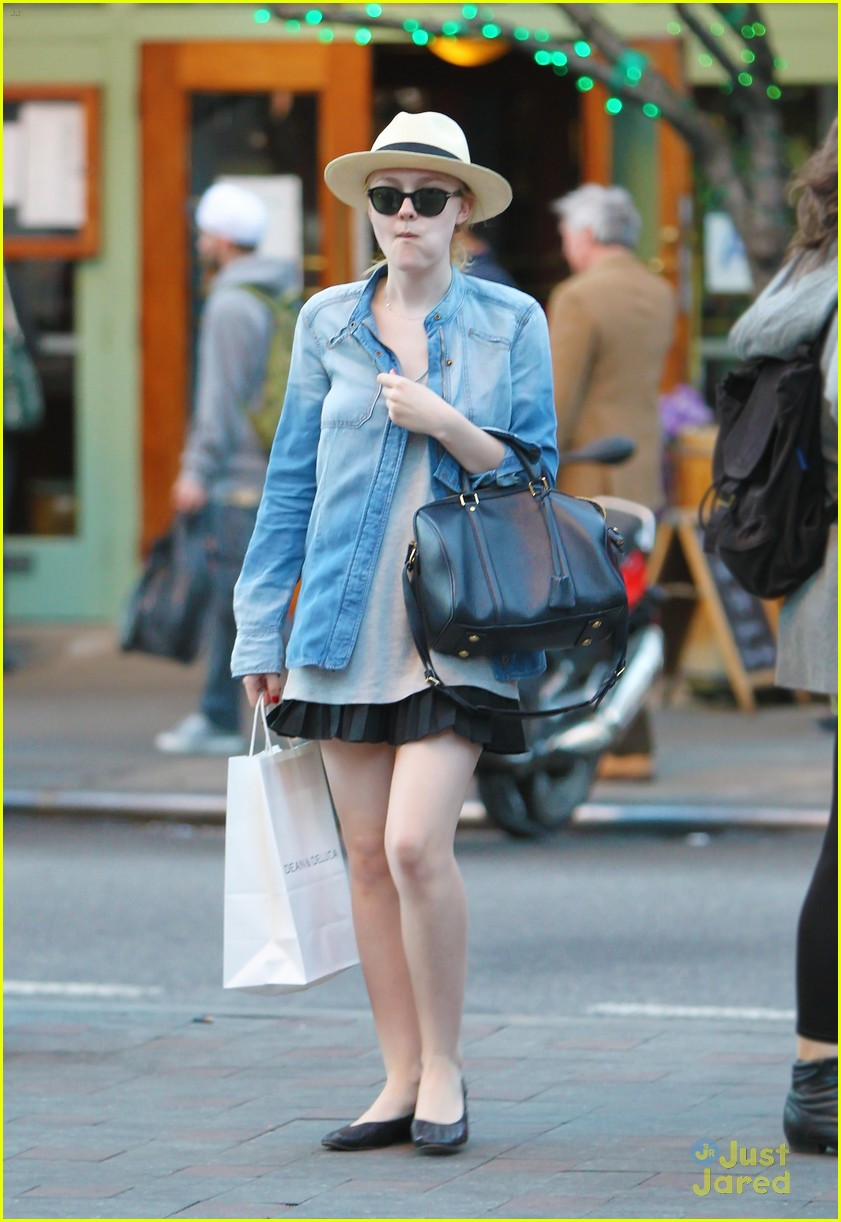 dakota fanning chic chambray 02