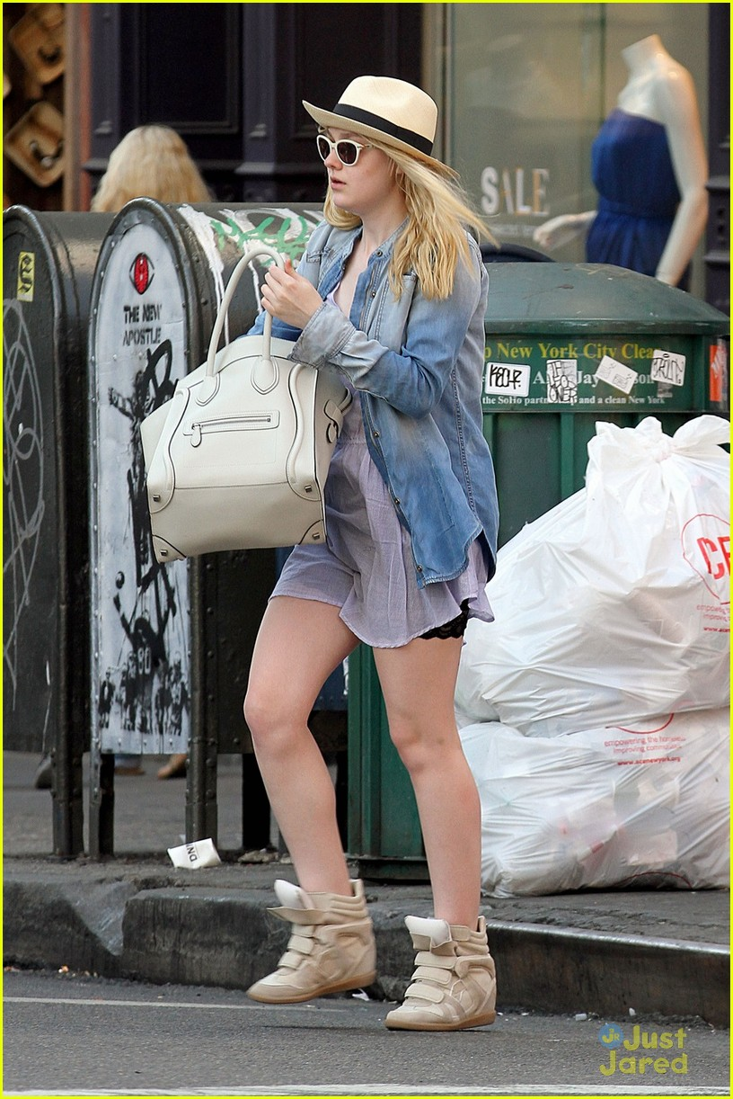 dakota fanning tribeca judge 05