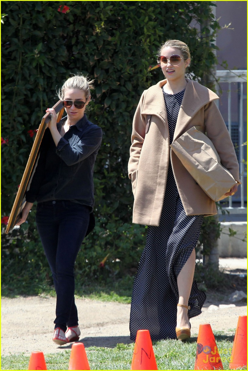dianna agron flea market 02