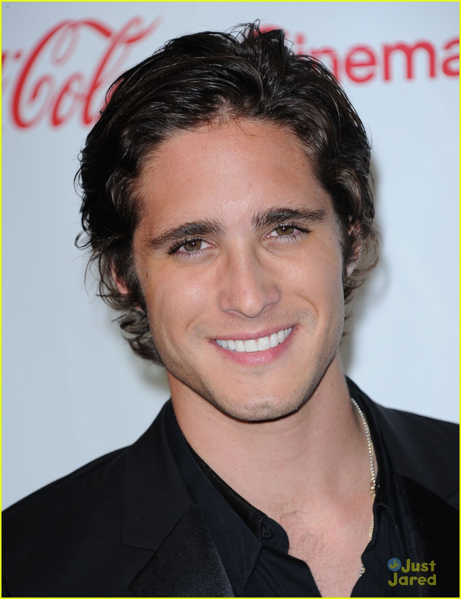 diego boneta cinemacon rising star 09