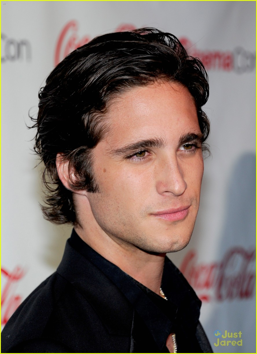 diego boneta cinemacon rising star 13