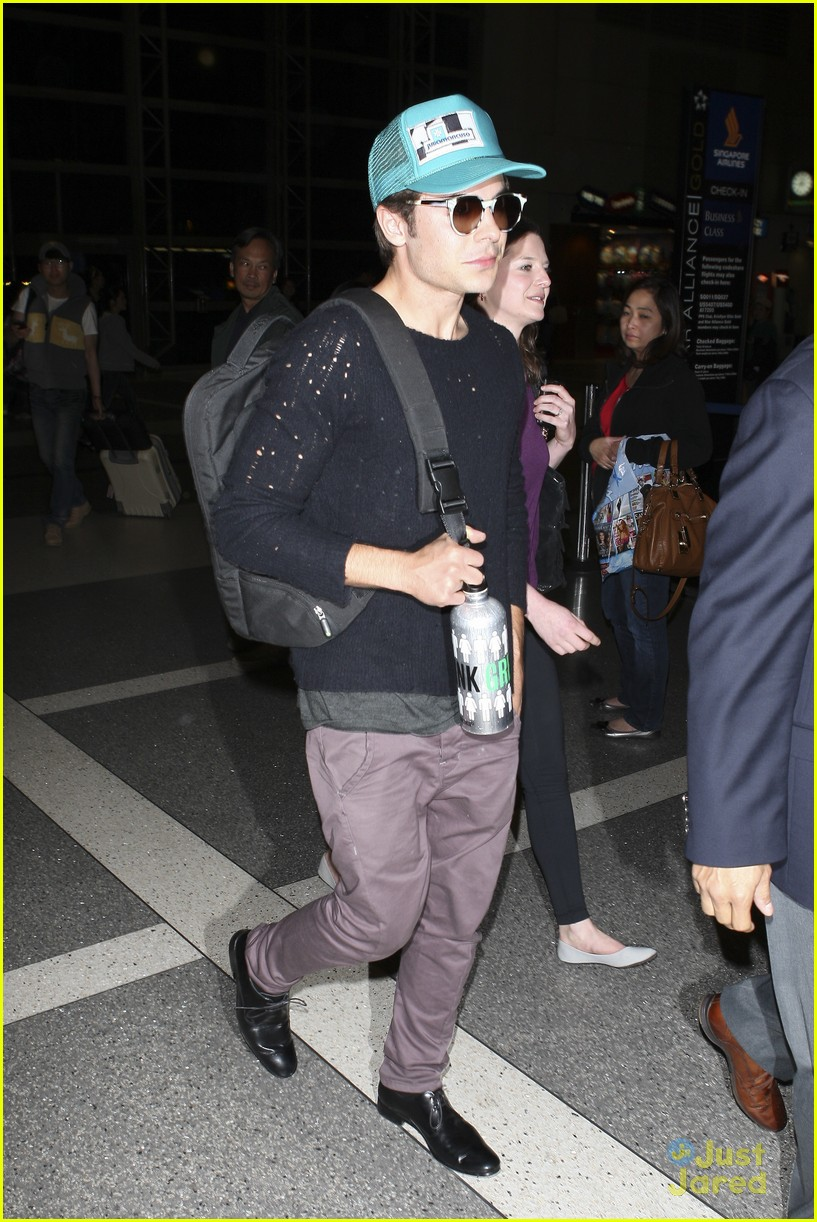 zac efron lax departure 13