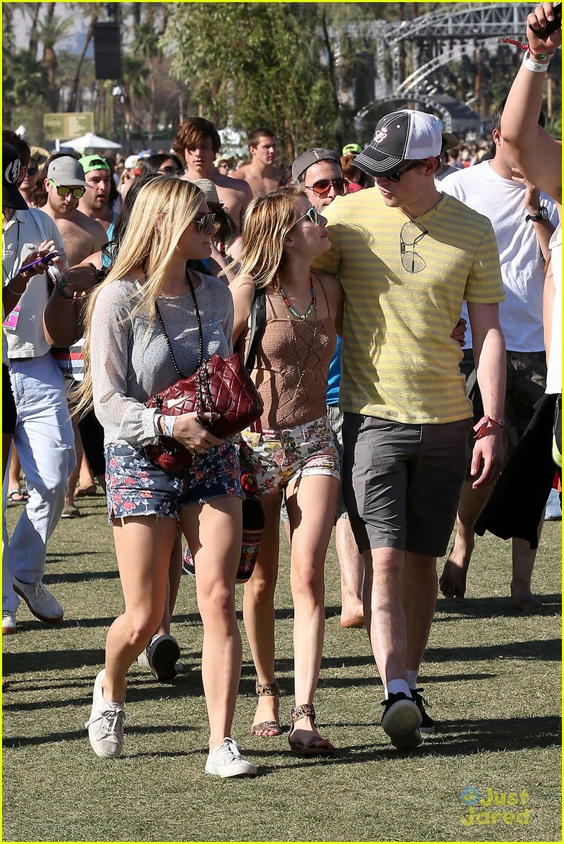 emma roberts chord overstreet last day 03