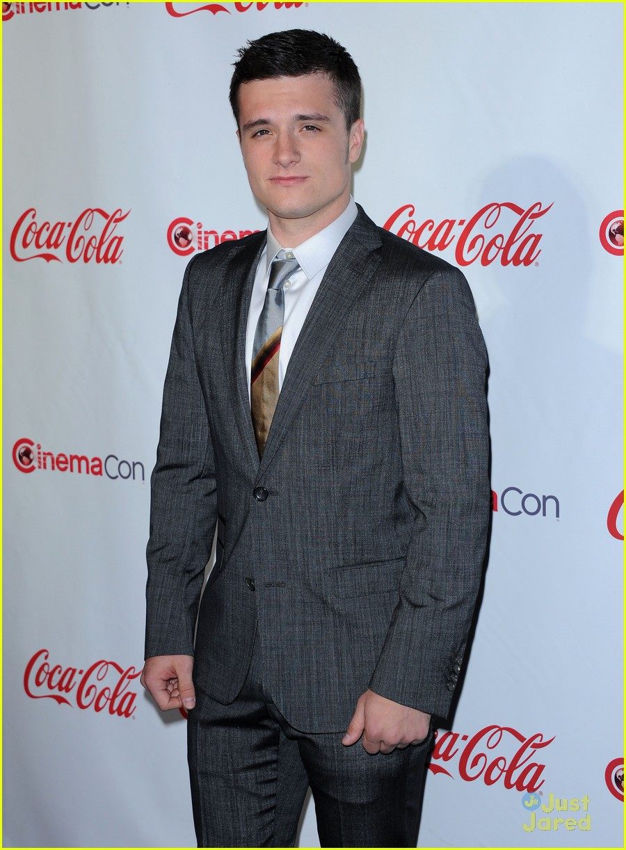 josh hutcherson cinemacon awards 08