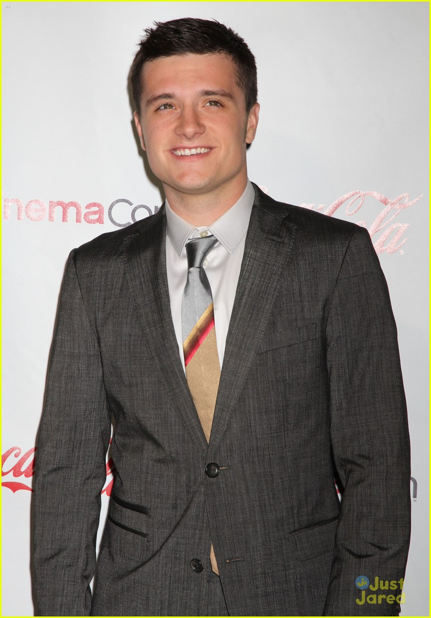 josh hutcherson cinemacon awards 11