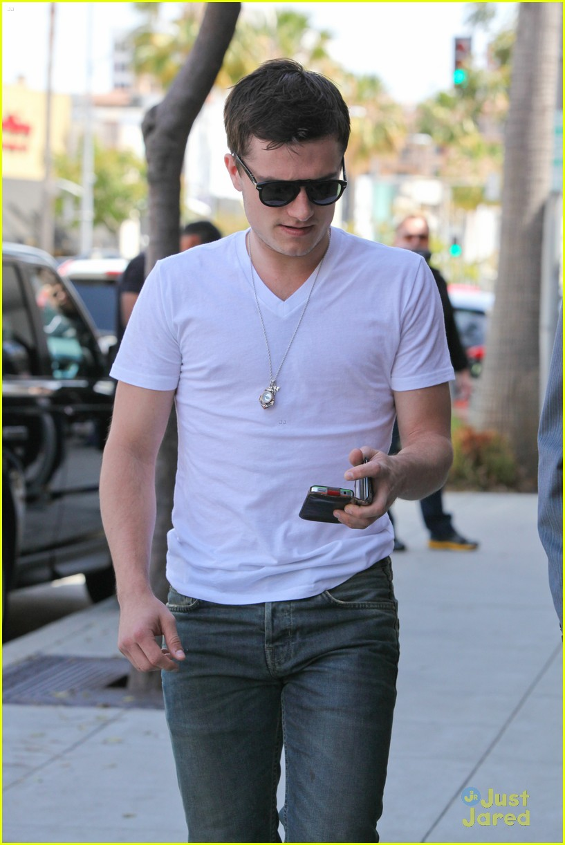 josh hutcherson breakthrough cinemacon 04