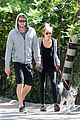 Miley-liam miley cyrus liam hemworth walk 01